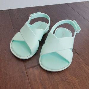 Old Navy Toddler size 6 Sandals